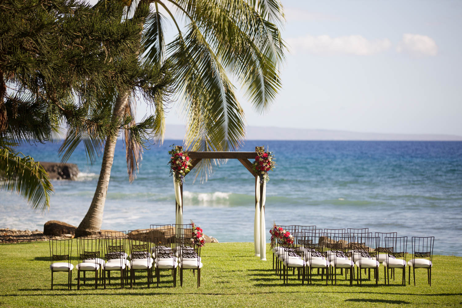 Private luxury wedding venues in maui the perfect wedding maui olowalu plantation house junglespirit
